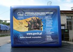 Inflatable advertising constructions