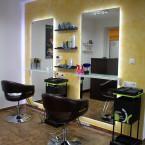 Hairdresser's mirrors