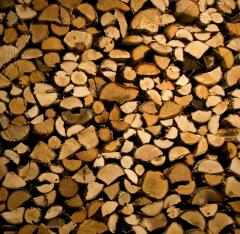 Drewno opałowe luzem i pakowane w worki