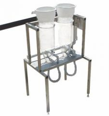 Weiss jars made of glass and with a capacity of