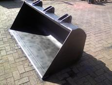 Buckets for machinery