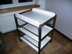 Swaddle table
