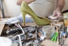 Materiały do naprawy obuwia.