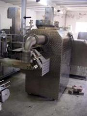 The equipment for manufacture of pel'menis