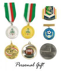 Medale pamiątkowe z logo
