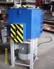 Trench vibrating compactors