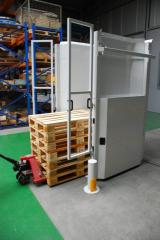 Shelvings, metallic, sliding, for cargo trays