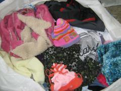 Czapki, szaliki, rękawiczki second hand,