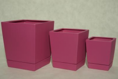 Square-shape pots with matching ceramic base in 15