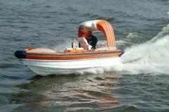 Fast open-deck rescue boats made from laminates to