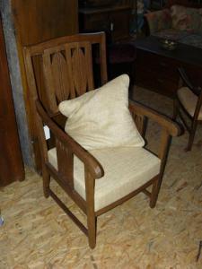 Fotel dębowy po renowacji