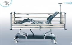 Un letto d'ospedale (ICU) NITROCARE HB 4130