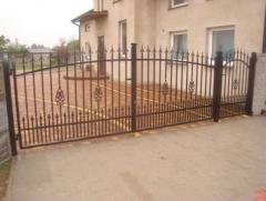 Bilateral euro fences