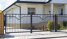 Kompleksowe systemy ogrodzeń posesyjnych bramy i furtki