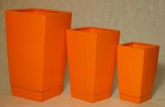 Doniczki ceramiczne kwadratowe wysokie. W jednolitych, soczystych kolorach, wraz ze spodkami