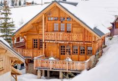 Domy z drewna - dom budowany w konstrukcji