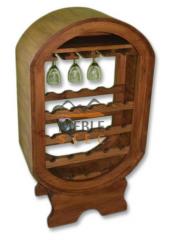 Stojak na wino i kieliszki wykonany z drewna