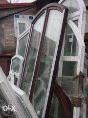 Okno balkonowe w łuku dws. orzech 147/230