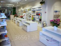 Meble do apteki i drogerii – system sklepowy EGO – witryny, podesty i stoliki, regały metalowe