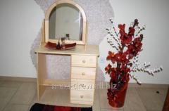 Niewielka, ale bardzo wygodna toaletka sosnowa z regulowanym lustrem, świetny wybór do ciasnej sypialni