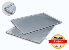 Baking tray made of aluminum enforced by strong,