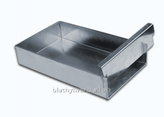 The aluminum baking molds of different shapes with