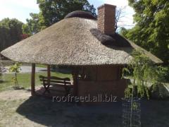 Altany i inne budowle ogrodowe z dachami pokrytymi