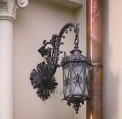 Lampy zewnętrzne kute ręcznie, metaloplastyka na zamówienie.