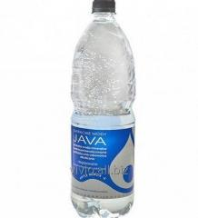 Natural water with a pH of 9.2, alkalizes and eliminates free radicals from the body