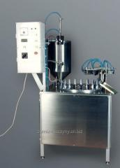 Automatic machine for packaging liquid and pasty