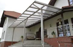Roofing made of aluminum and polycarbonate,