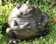 Figure fountain with bronze FROG PLENTY stands out