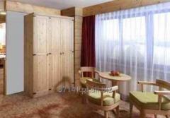 Meble drewniane do hoteli, zajazdów i pensjonatów, w ofercie szafy, łóżka, komody, szafeczki, biurka, krzesła, fotele i inne.