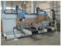 Woodturning machining centers