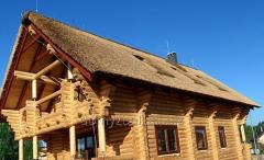 Finishes offered roof houses made of straw, the
