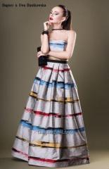 Penelopa, ekskluzywna suknia jedwabna z gorsetową górą i długim, rozkloszowanym dołem