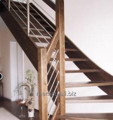 Schody drewniane z poręczami drewnianymi, metalowymi, szklanymi, drewniano metalowymi.
