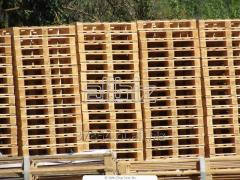 Wooden pallets, pans, trays