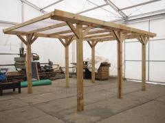 Carports made ​​of logs