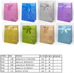 Torebki prezentowe matowe, paleta barw Pantone, z aplikacją UV i wstążką 157g/m2, zawieszka eurohook.
