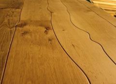 Podłogi krzywoliniowe wykonane z litego drewna