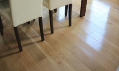 Dębowa deska podłogowa produkowana zgodnie z normami unijnymi