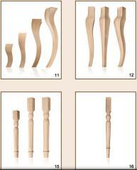 Nogi drewniane do stołów i ław.
