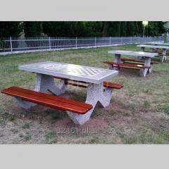Stół betonowy piknikowy z ławkami blat z dwoma planszami do gry