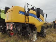 Combine harvester New Holland CX 6080 with Hedera