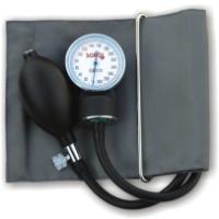 SOHO 110  Zintegrowany aparat do pomiaru ciśnienia tętniczego krwi na ramieniu.