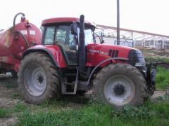 Traktor Case CVX195