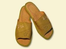 Взуття домашне