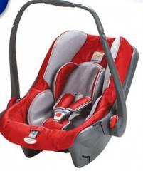 Fotelik samochodowy dla dzieci w wieku 0-1 lat i