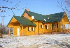 Domy mieszkalne z bali drewnianych, różne projekty